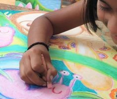 kenfortes children art class oil pastels